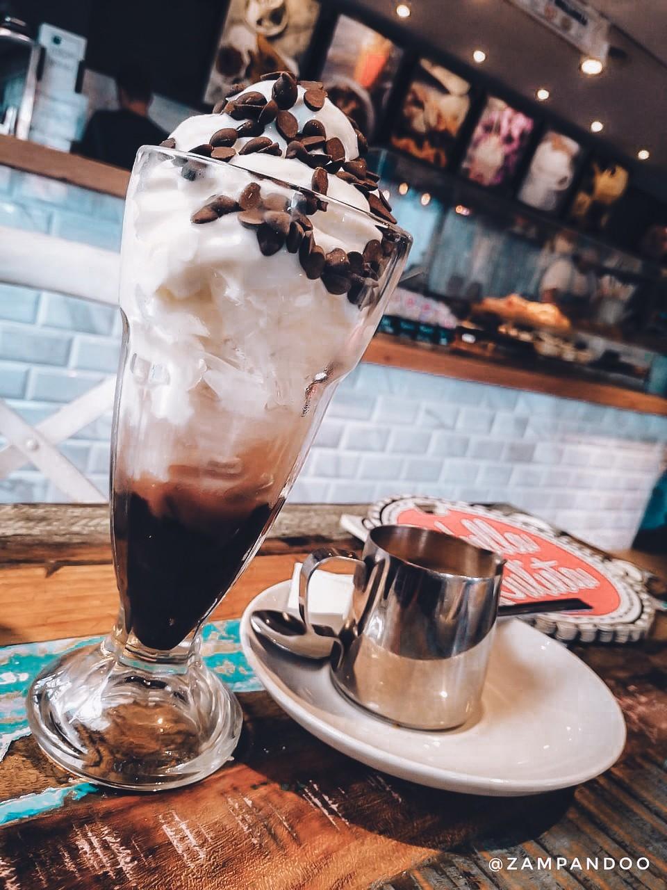 La Bella Julieta desserts and drinks