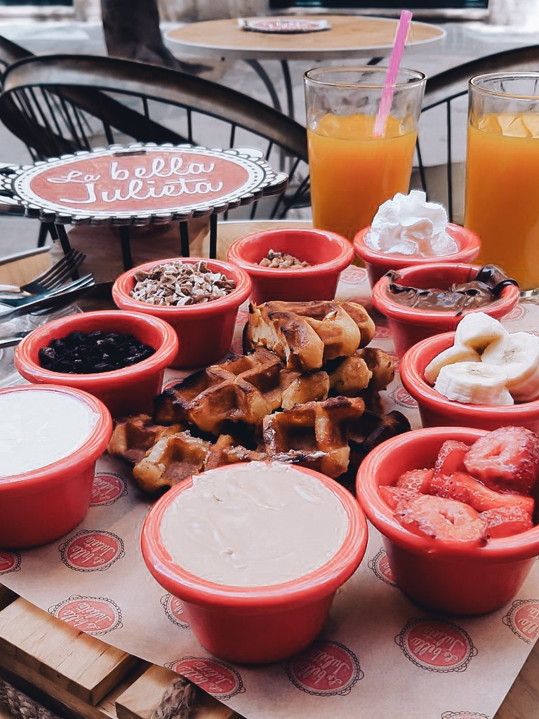 Waffles in La Bella Julieta Malaga