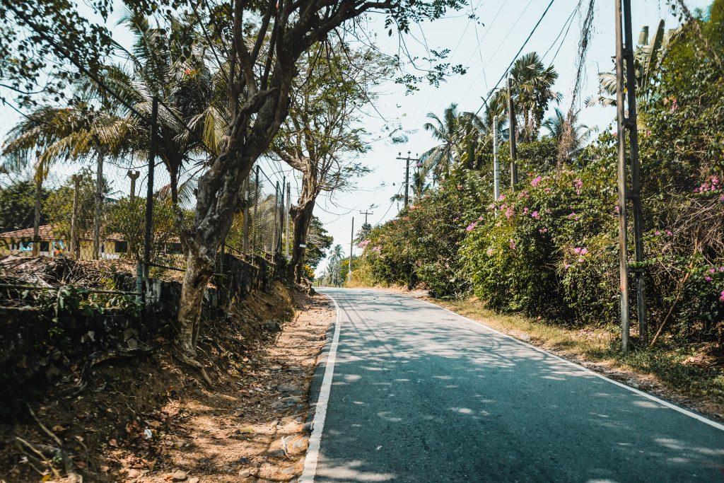 rumassala road before the hotel