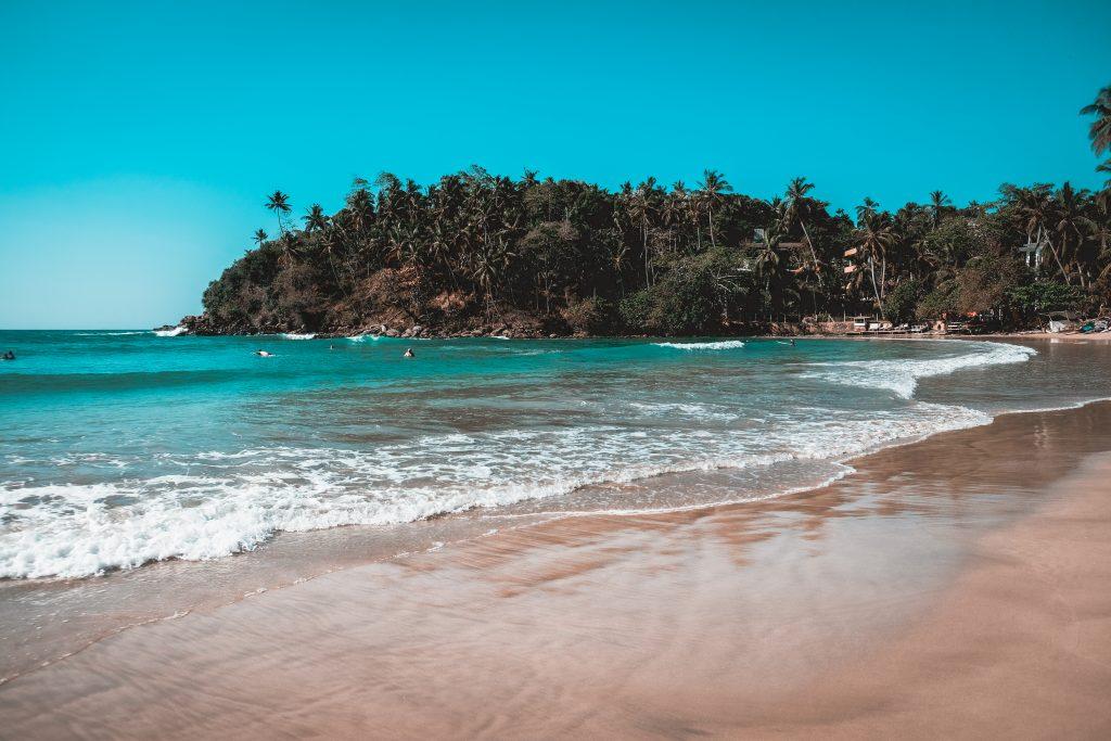 hiriketiya beach sri lanka