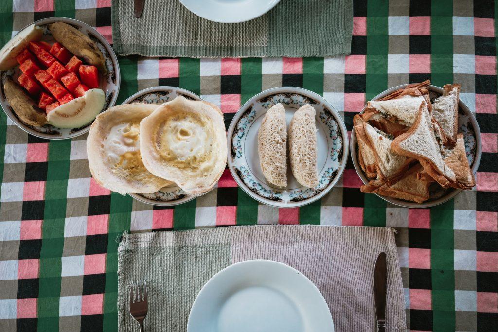 sigiriya local breakfast in a homestay