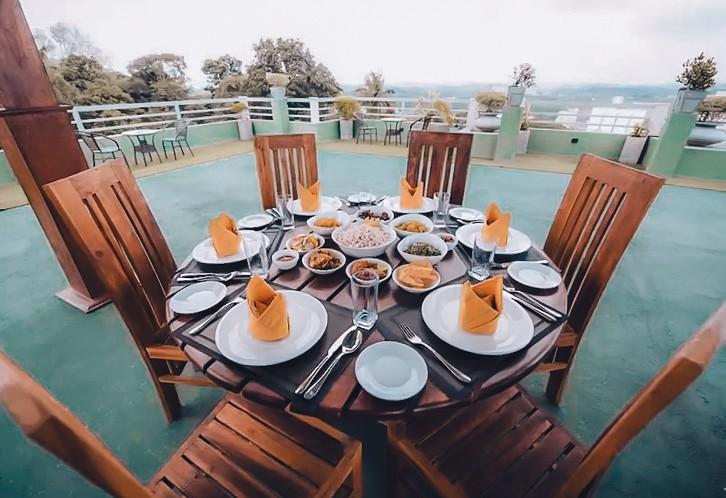 restaurant view mount rich hotel rumassala