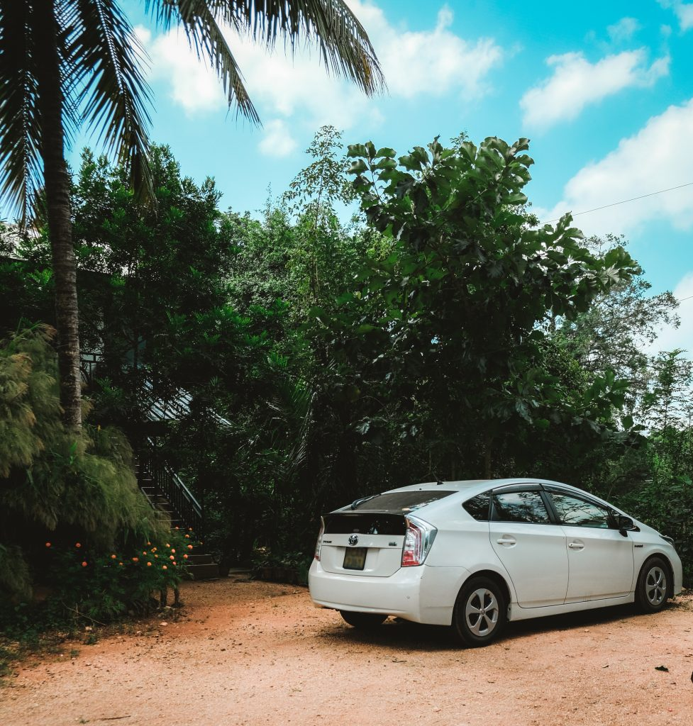 hire a car with driver sri lanka