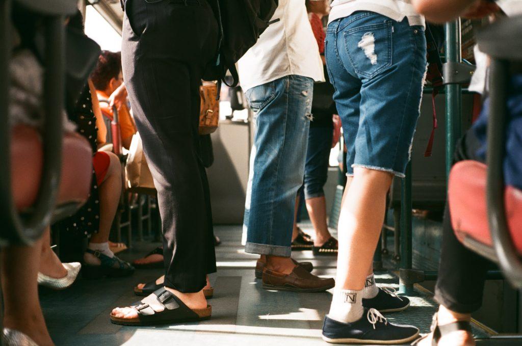 crowded transport in sri lanka