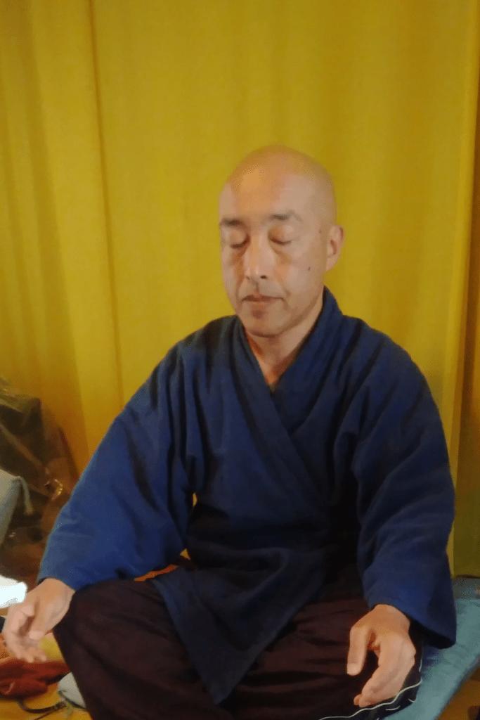 japanese buddhist monk meditating online cultural activity