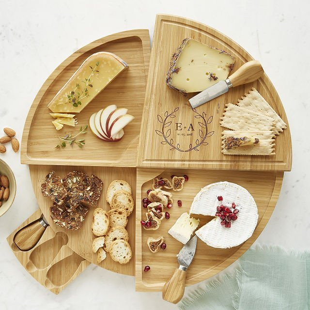 cheese board as a good gift