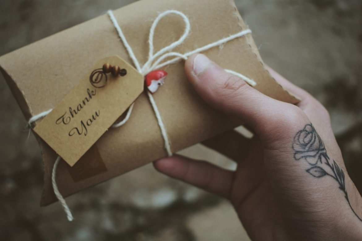 45 inexpensive employee appreciation gifts to say thank you
